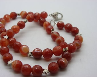 10 mm agate necklace has faceted rust