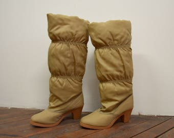 1980s Heeled Heritage Knee High Winter Boots, Puffy Apres Ski Boots, Sz 8
