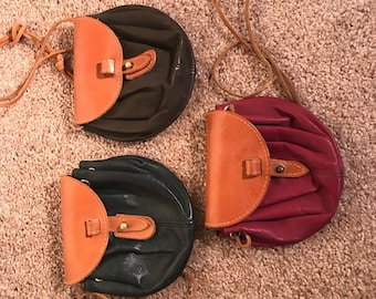 Cute, expandable leather crossbody purse