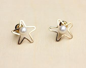 Star Studs Gold, 14K Gold Studs, 14K Pearl Studs, Gold Star Earrings, Gold Star Studs, Gold Pearl Studs, 14K Studs, 14K Earrings