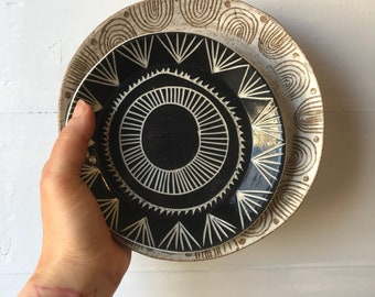 S A N D S T O N E : hand carved stoneware tray
