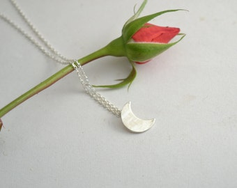 crecent moon sterling silver/tiny crecent moon necklace/moon layer silver silver necklace