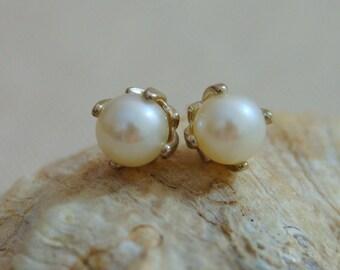 Aria - white pearl earrings, stud earrings, freshwater pearl earrings, silver earrings, jewelry gift idea, for her, youth jewelry, gift idea