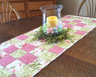 Quilted Table Runner, table runner, Spring table runner, quilted Spring table runner