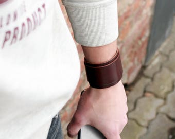 Brown leather cuff, leather wristband, brown bracelet, leather armband