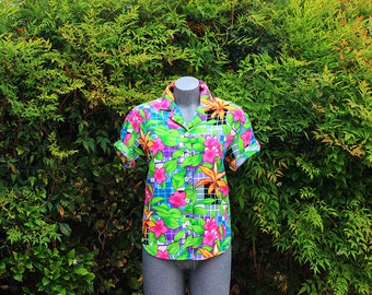 Vintage Button Up Blouse, Floral Print, Green & Pink, Teddy, Summer Short Sleeve Blouse, Tropical, Size PM Medium