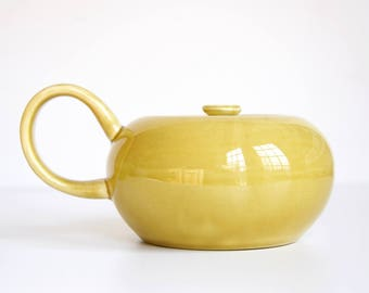 """Russel Wright """"American Modern"""" Sugar Bowl in Chartreuse 