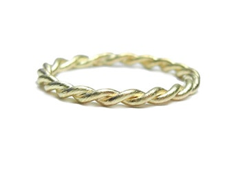 Twist Eternity Stacking Ring, handmade with 18k recycled Gold, Wedding ring, weave band,