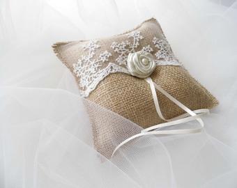 Burlap Ring Bearer Pillow, Wedding Ring Bearer, Wedding Accessories, Rustic Wedding, Burlap Ring Pillow, Burlap And Lace Decorations