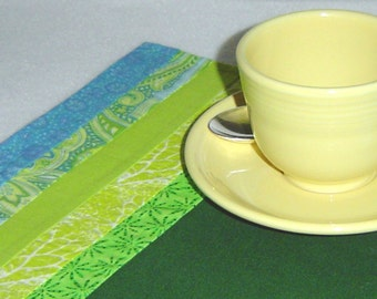 Art deco placemats, two green placemats, green quilted mats, green table art, quilted table mats, hostess gift