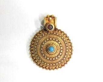 Vintage antique Handmade solid 20k Gold jewelry Pendant amulet india
