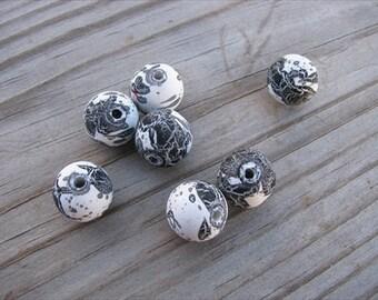 Black, White Acrylic Beads- Set of 25