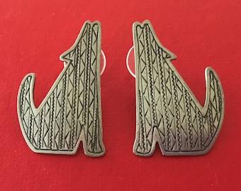 JJ Jonette 988 Howling Coyote or Wolf Pewter Pierced Earrings