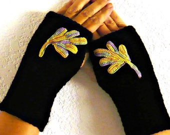 Knit Arm Warmers Irish Crochet Motif Black Armwarmers Winter Fashion Gloves Womens Gloves Fall Accessories Texting Gloves Warm Gloves