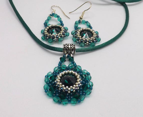 Bezel Set Emerald Green Pendant Necklace and Earrings Sku: NK1009