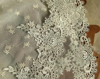 ivory lace trim, venise lace trim, vintage lace, scalloped lace, crocheted lace DG059