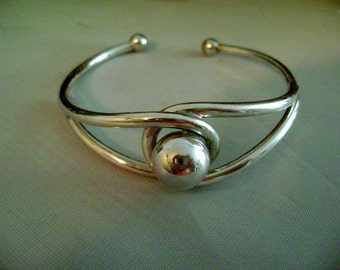 Silver cuff bracelet Ball or Tigars eye