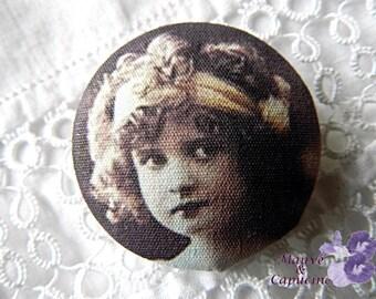 Button retro girl cloth - 32 mm / 1.25 in diameter