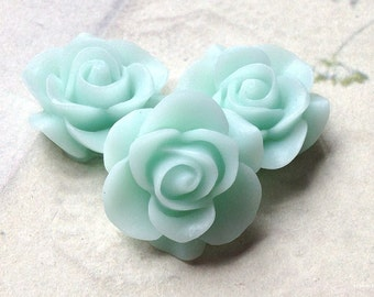 21 mm Mint green Colour Rose Resin Flower Cabochons (.nm)