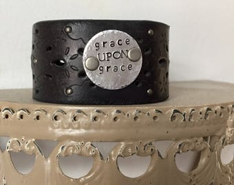 Custom black leather cuff, Custom stamped cuff, gift for her, personalized leather bracelet, leather cuff, customized jewelry