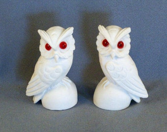 Pair of Facing Alabaster Owls // Pure White // Hand Carved // Glass Eyes // Not Signed // Collectibles