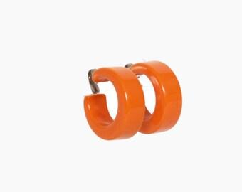 Vintage 50s Wide Orange BAKELITE Earrings / 1950s Chunky Hoop Clip-On Earrings