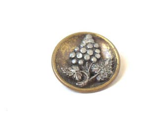 Grapes Two-Tone Metal Picture Button