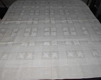 Linen Tablecloth - Vintage Tablecloth - Kitchen Tablecloth - Linens