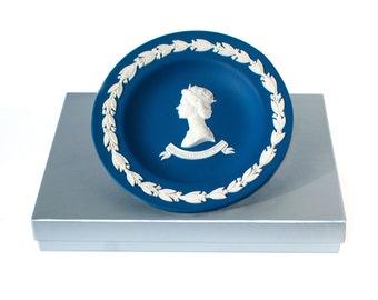 Wedgwood Jasperware Royal Commemorative Tray | HM Queen Elizabeth II Silver Jubilee 1977, White Relief Royal Blue Jasper Tray w/ Gift Box