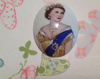 Old cabochon, late last century in Limoges porcelain