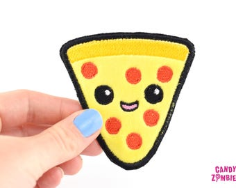 SALAMI PIZZA PATCH - Kawaii Salami Käse Pizza Aufnäher gestickt auf weichen Minky & Filz - gelb rot schwarz