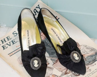 Memorial Day Sale 1930's Woman's Vintage Arlene La Marca Black Suede High Heel Shoes With Cameo Adornment Hand Made in Italy - Pumps Size 7