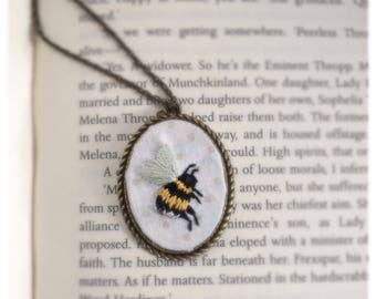 Embroidered bee necklace