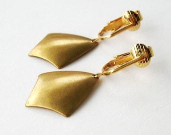 Kite Clip-on Earrings, Gold Ear Clips, Brass Shield Earrings, Dangle Clipons, Simple Art Deco, Lightweight Clip Earrings, Brushed Gold
