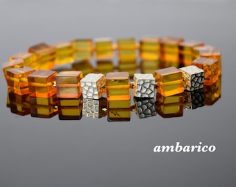 Bracelet of authentic baltic amber for women, handmade and unique.