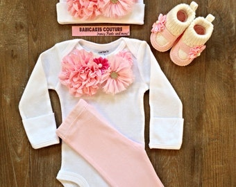 Newborn Girl Take Home Outfit, Pink and White Baby Outfit, Baby Girl Clothes, Coming Home Outfit, New Baby Girl Outfit, Cute Baby Clothes