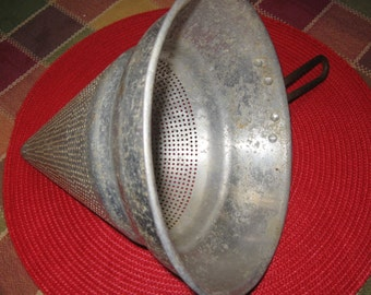 Vintage 1940'S Wear-Ever No 8 Aluminum Chinois or Cone Shaped Strainer/Food Press/Colander
