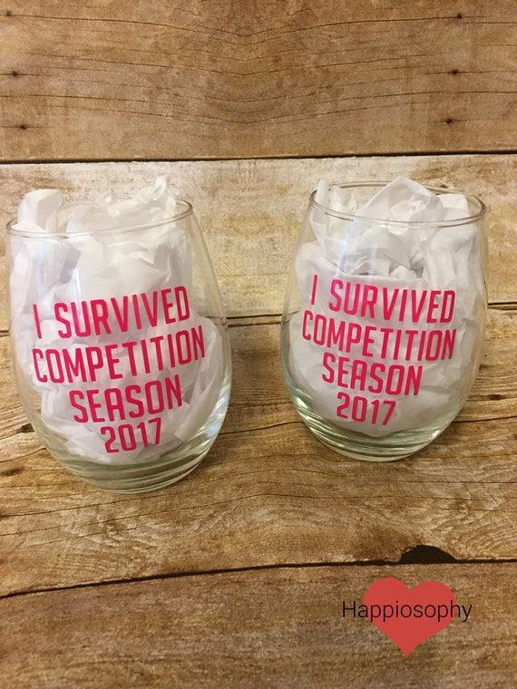 Jai survécu à la saison de compétition danse verre de vin