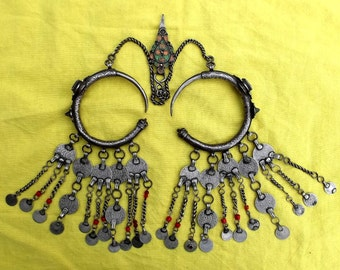"Morocco Pair of temples earrings ""Dewwah"" - Silver, enamel, glass beads and ancient coins pendant"