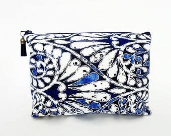 Canvas Wash bag, Indigo, cosmetic bag, zip bag, make up bag.