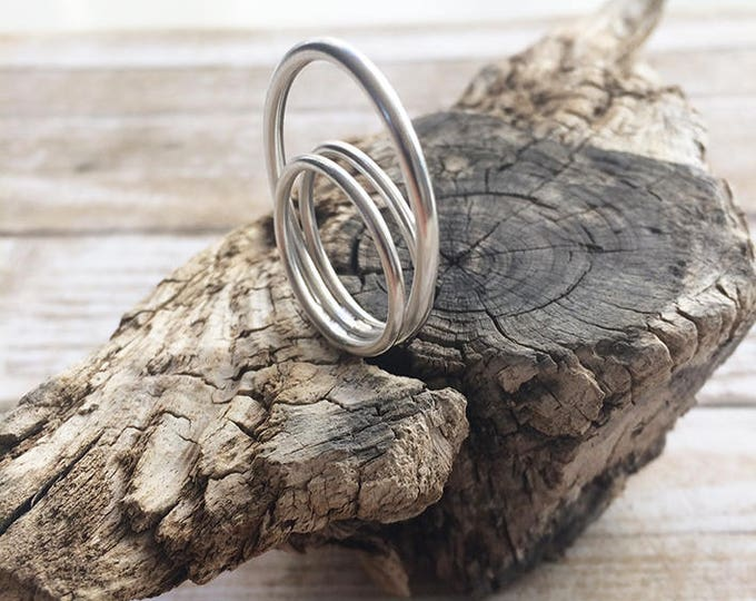 Sterling silver ring - open circles ring - oval and circle geometric ring - minimalist ring - wire ring - rings ring