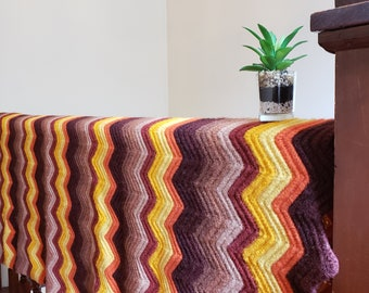 Vintage Crochet Blanket // Fall Colors // Autumn Decor // Throw Blanket // Vintage Afghan // Chevron // Zigzag