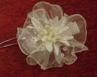 DAY DREAMS.    Organza  Pearl  Hand Corsage