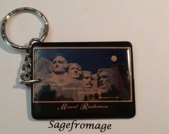 South Dakota Mount Rushmore keychain