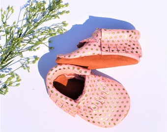 Baby Moccasins, Pink and Gold Polkadots Baby Moccasins, Confetti Baby Moccasins, Bubblegum Moccasins, Polka dots Baby shoes, Soft suede sole