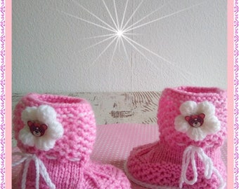 Knitted baby shoes boots shoes baby shoes white pink handmade