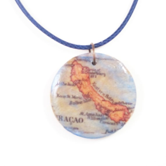 Personalized wooden necklace - Central america