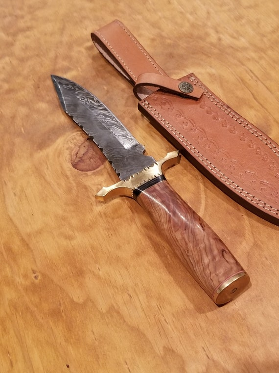 Handmade Wood Handle Hunting Knife Damascus Blade Collection Leather Sheath Outdoors Bowie (K102)