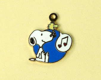 Aviva Vintage Snoopy With Singing Woodstock Charm  Enamel Cloisonne 0090