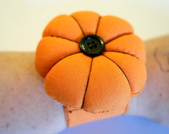 Pumpkin Pincushion Craft Kit Sewing Accessories Craft Kits For Adults Sewing Kit Sewing Gifts Autumn Crafts Wrist Pincushion